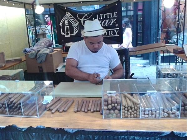 Cigar rolling. Photo by Diana O'Gilvie